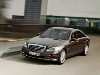 Mercedes-benz-S-class_airport_transfer_02.jpg