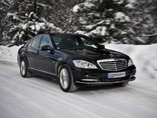 Mercedes-benz-S-class_airport_transfer_01.jpg